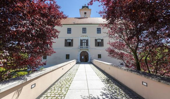Schloss Vösendorf mit Schlosspark
